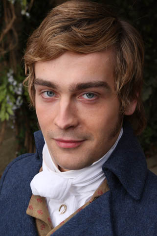 Tom Mison  Ppromotional photos 3 out of 7 - Screenrush